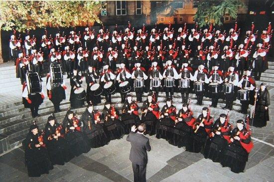 A Real Banda de Gaitas da Deputación de Ourense actúa en Santo ...